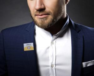 badge magnétique doré